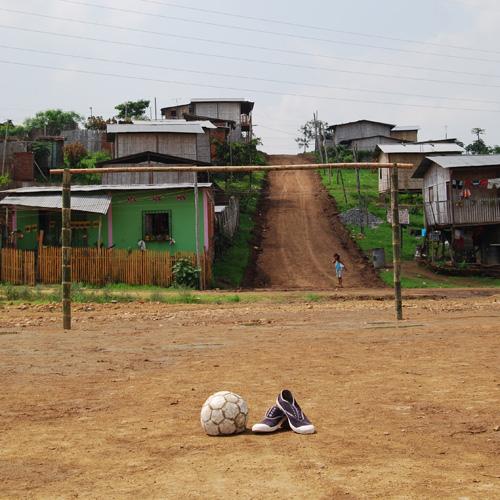 Bilde - Fotball Krysser Grenser er vårt humanitære prosjekt. 25,- av hver deltakeravgift går til prosjektet.